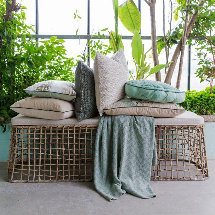 Bild eines Sofas mit Kissen